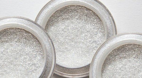 Microplásticos em cosméticos oferecem riscos