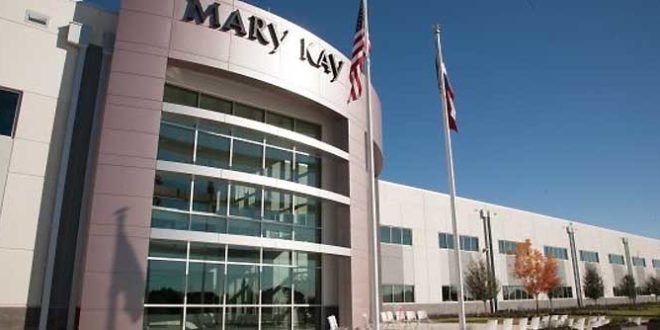 Mary Kay produz álcool em gel para realizar doações e auxiliar no combate ao Covid-19